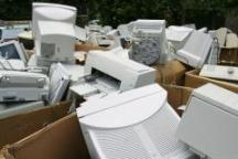 100649947-old-pcs-in-trash-gettyp.240x160