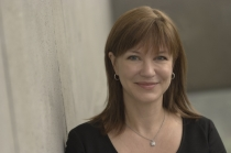 julie-larson-green-xbox-head-top630