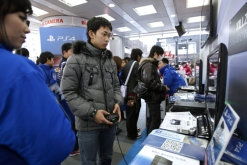 Sony Launches PlayStation 4 In Japan As Console Retakes U.S. Retail Lead Over Microsoft's Xbox One